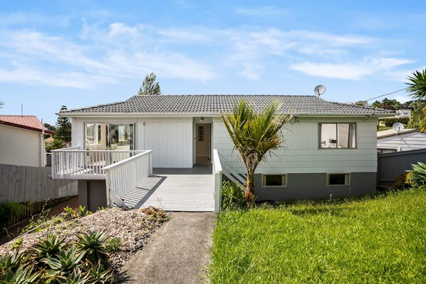 683 Beach Road, Rothesay Bay, Auckland - NZL (photo 3)