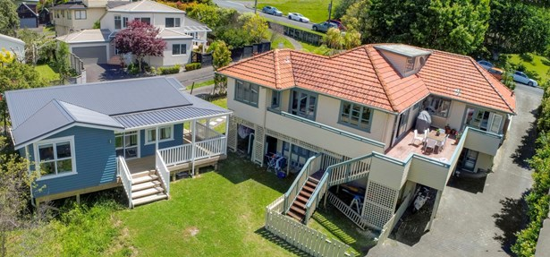 12 Rossmore Terrace, Murrays Bay, Auckland - NZL (photo 1)