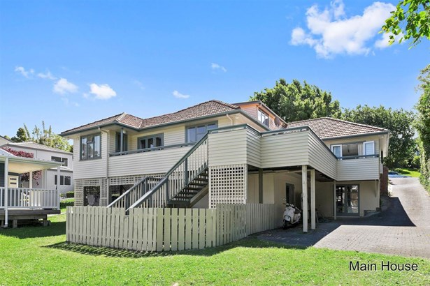 12 Rossmore Terrace, Murrays Bay, Auckland - NZL (photo 2)