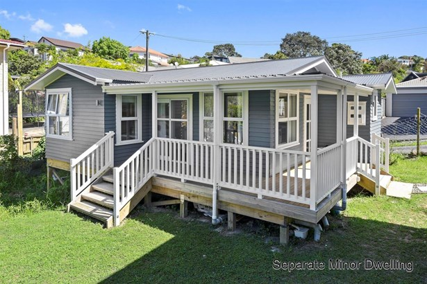 12 Rossmore Terrace, Murrays Bay, Auckland - NZL (photo 3)