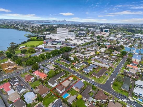 1&2/7 Waterloo Road, Milford, Auckland - NZL (photo 3)