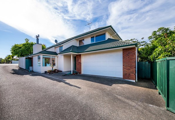 1/74 Cook Street, Howick, Auckland - NZL (photo 1)