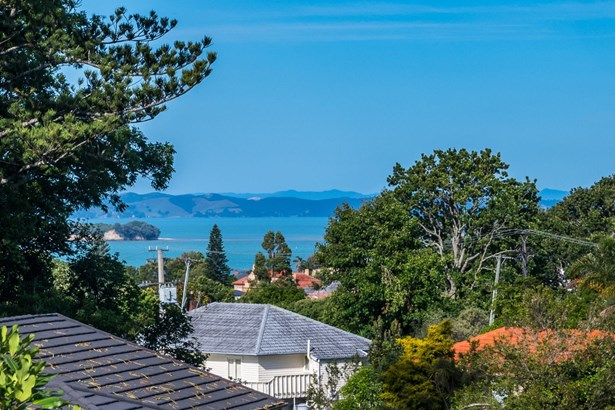1/74 Cook Street, Howick, Auckland - NZL (photo 2)