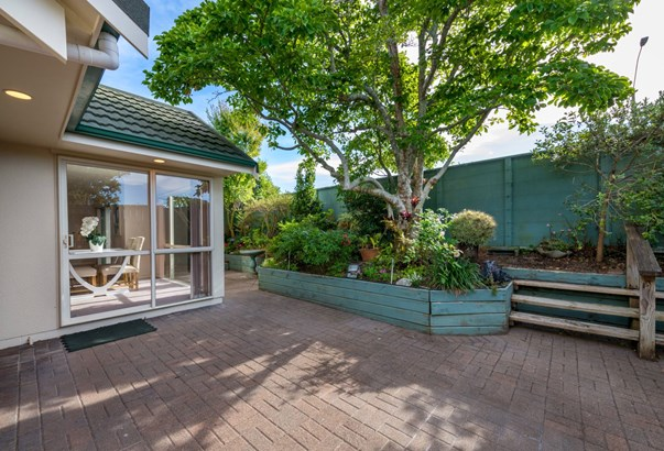 1/74 Cook Street, Howick, Auckland - NZL (photo 3)