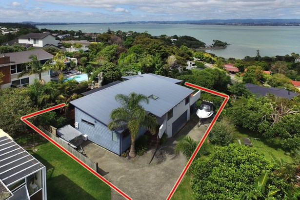 2/37 Sea Vista Avenue, Beach Haven, Auckland - NZL (photo 2)
