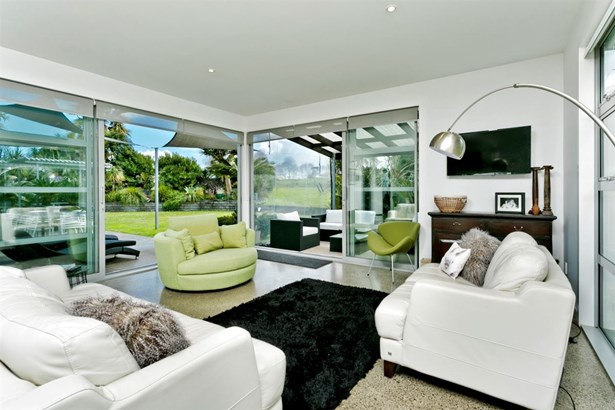 8 Aileron Rise, Dairy Flat, Auckland - NZL (photo 2)