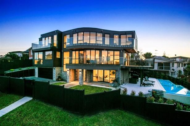 12 Beacon Avenue, Campbells Bay, Auckland - NZL (photo 1)