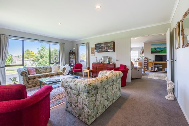 9 Logan Place, Waiuku, Auckland - NZL (photo 3)