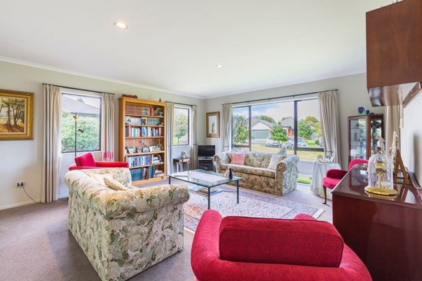 9 Logan Place, Waiuku, Auckland - NZL (photo 4)