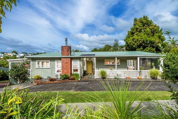 25 Rewi Street, Torbay, Auckland - NZL (photo 2)