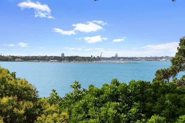 2/69 Sylvan Avenue, Northcote, Auckland - NZL (photo 3)