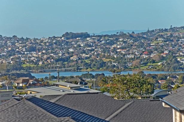 16 Harvest Avenue, Orewa, Auckland - NZL (photo 4)