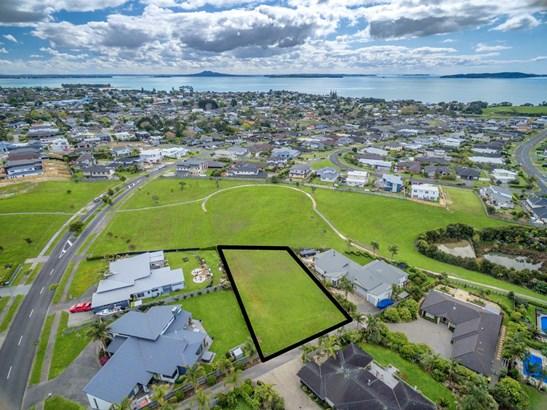 11 Intrepid Crescent, Beachlands, Auckland - NZL (photo 1)