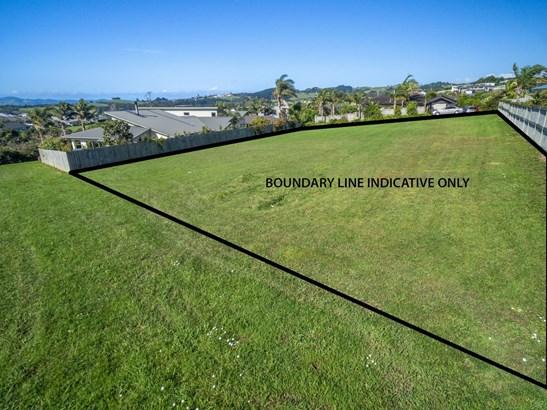11 Intrepid Crescent, Beachlands, Auckland - NZL (photo 4)