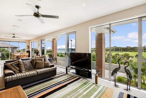 38 Weatherly Drive, Beachlands, Auckland - NZL (photo 5)