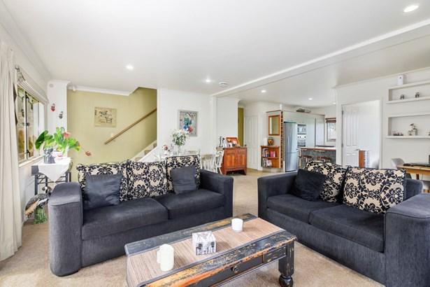 19 Pine Terrace, Howick, Auckland - NZL (photo 5)