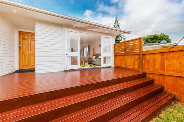 114 Lancaster Road, Beach Haven, Auckland - NZL (photo 2)