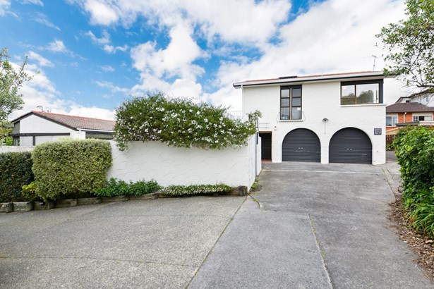 3 Cron Avenue, Te Atatu South, Auckland - NZL (photo 2)