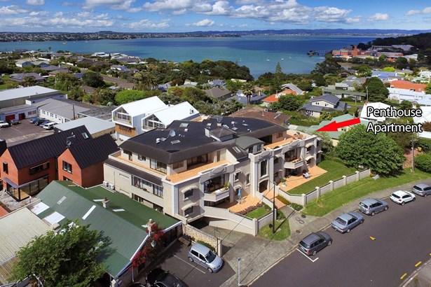 10/8 Rugby Road, Birkenhead Point, Auckland - NZL (photo 3)
