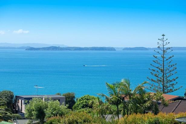 1334 Whangaparaoa Road, Army Bay, Auckland - NZL (photo 1)