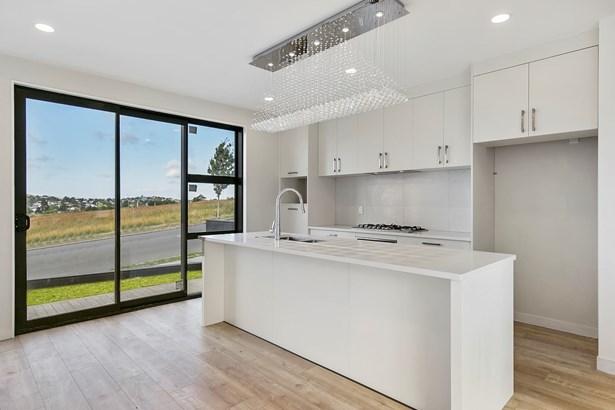 61b Westgate Drive, Westgate, Auckland - NZL (photo 2)
