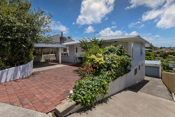 447 Hillsborough Road, Mt Roskill, Auckland - NZL (photo 1)