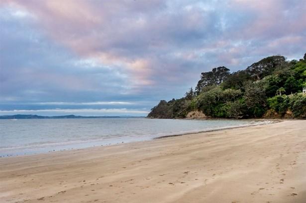 96 Tindalls Bay Road, Tindalls Beach, Auckland - NZL (photo 3)