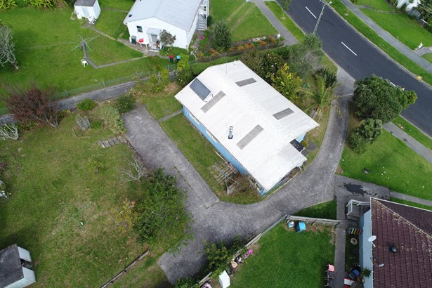 70 Leybourne Circle, Glen Innes, Auckland - NZL (photo 2)