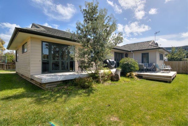 16 Bell Road, Beachlands, Auckland - NZL (photo 2)