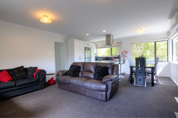 16 Bell Road, Beachlands, Auckland - NZL (photo 3)