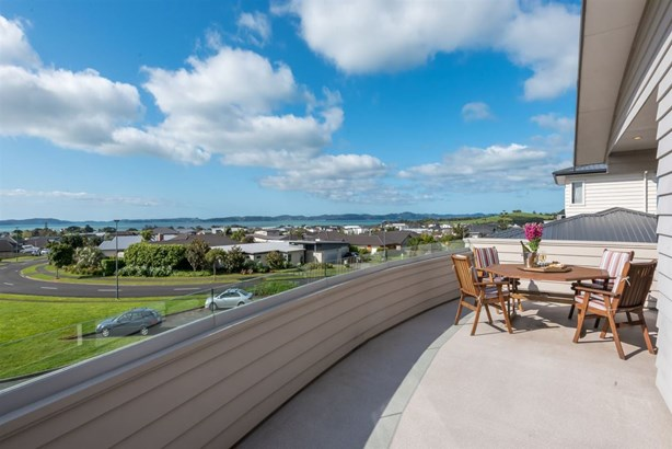 16 Columbia Crescent, Beachlands, Auckland - NZL (photo 3)