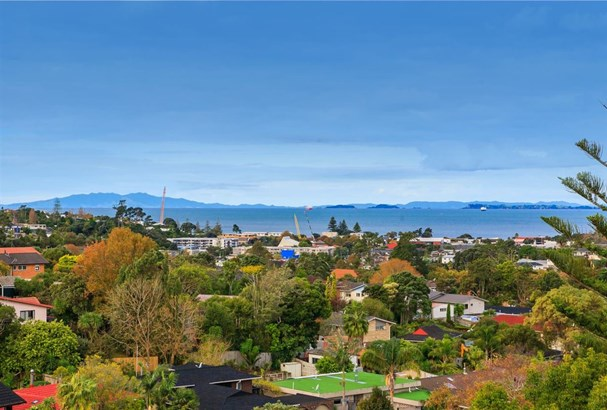 34 King Richard Place, Browns Bay, Auckland - NZL (photo 1)