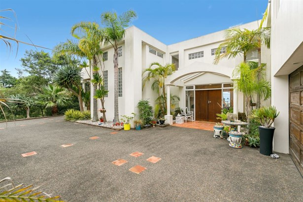34 King Richard Place, Browns Bay, Auckland - NZL (photo 5)