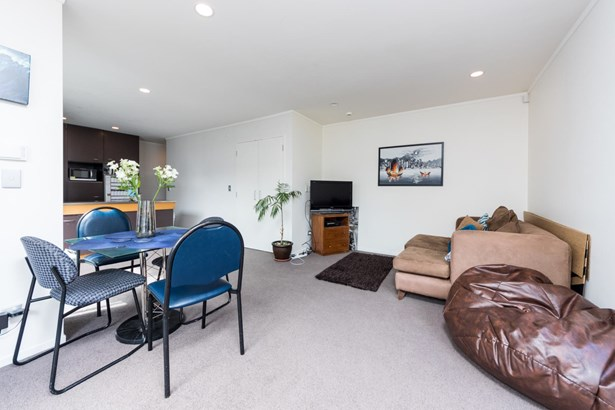 15/3 Wagener Place, St Lukes, Auckland - NZL (photo 4)