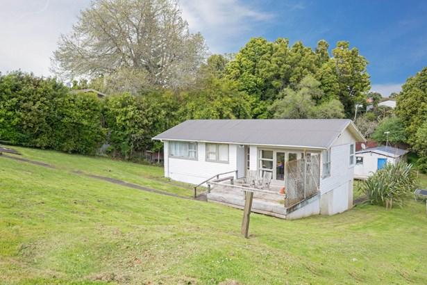 122 Lancaster Road, Beach Haven, Auckland - NZL (photo 2)