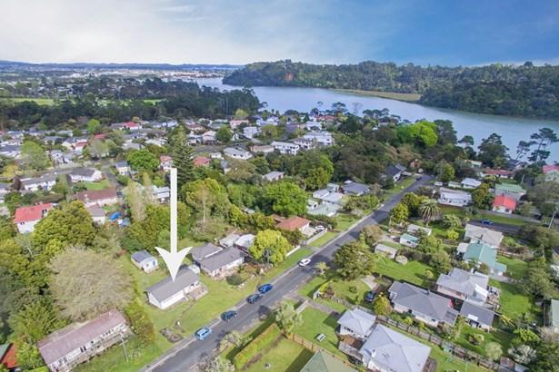 122 Lancaster Road, Beach Haven, Auckland - NZL (photo 1)