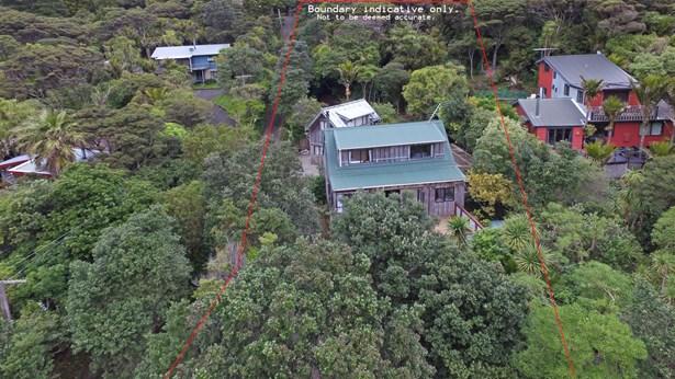 67 Glenesk Road, Piha, Auckland - NZL (photo 1)