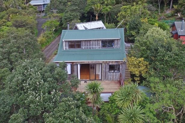 67 Glenesk Road, Piha, Auckland - NZL (photo 2)