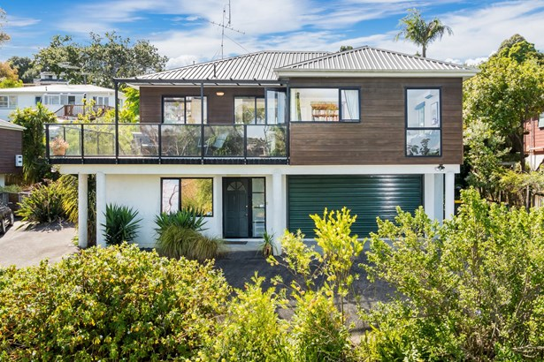 2/28 St Peters Street, Northcote, Auckland - NZL (photo 1)