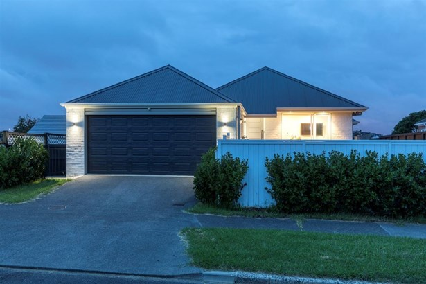 7 Tahapa Crescent, Meadowbank, Auckland - NZL (photo 4)
