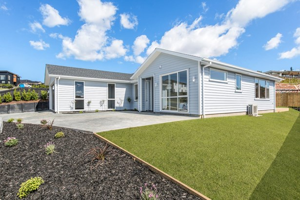 35 Woodridge Drive, Stanmore Bay, Auckland - NZL (photo 2)