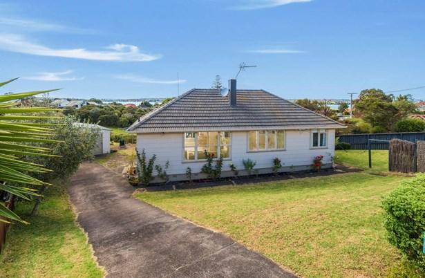 18 Silverton Avenue, Wai O Taiki Bay, Auckland - NZL (photo 1)