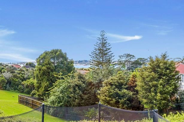 18 Silverton Avenue, Wai O Taiki Bay, Auckland - NZL (photo 3)