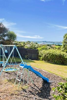 18 Silverton Avenue, Wai O Taiki Bay, Auckland - NZL (photo 5)