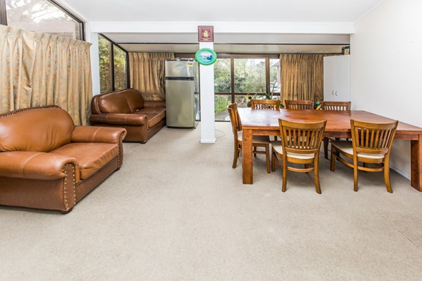 68 Chartwell Avenue, Glenfield, Auckland - NZL (photo 5)