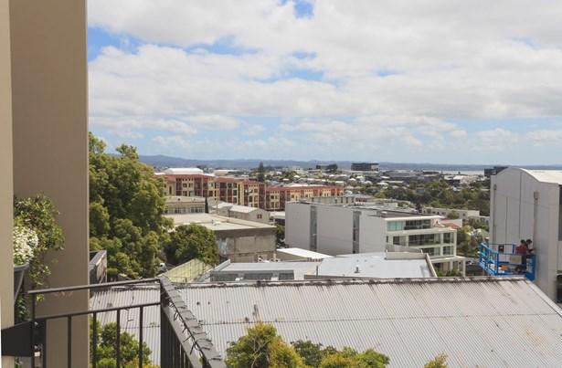 33d(r) New North Road, Eden Terrace, Auckland - NZL (photo 2)