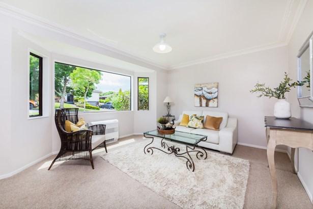 84 Mirrabooka Avenue, Botany Downs, Auckland - NZL (photo 3)