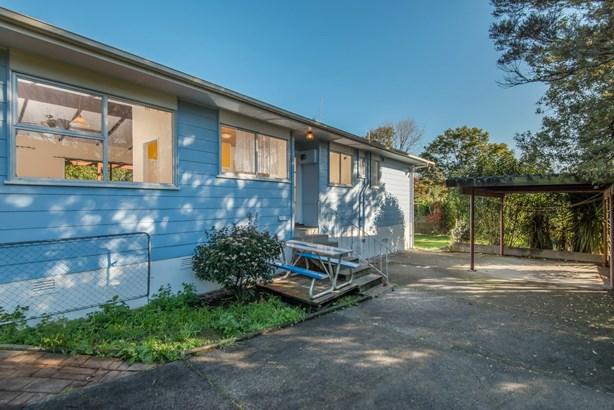 63 Harrington Road, Henderson, Auckland - NZL (photo 3)