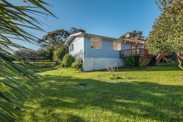 63 Harrington Road, Henderson, Auckland - NZL (photo 5)