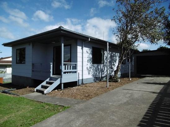 46 Maplesden Drive, Clendon Park, Auckland - NZL (photo 2)